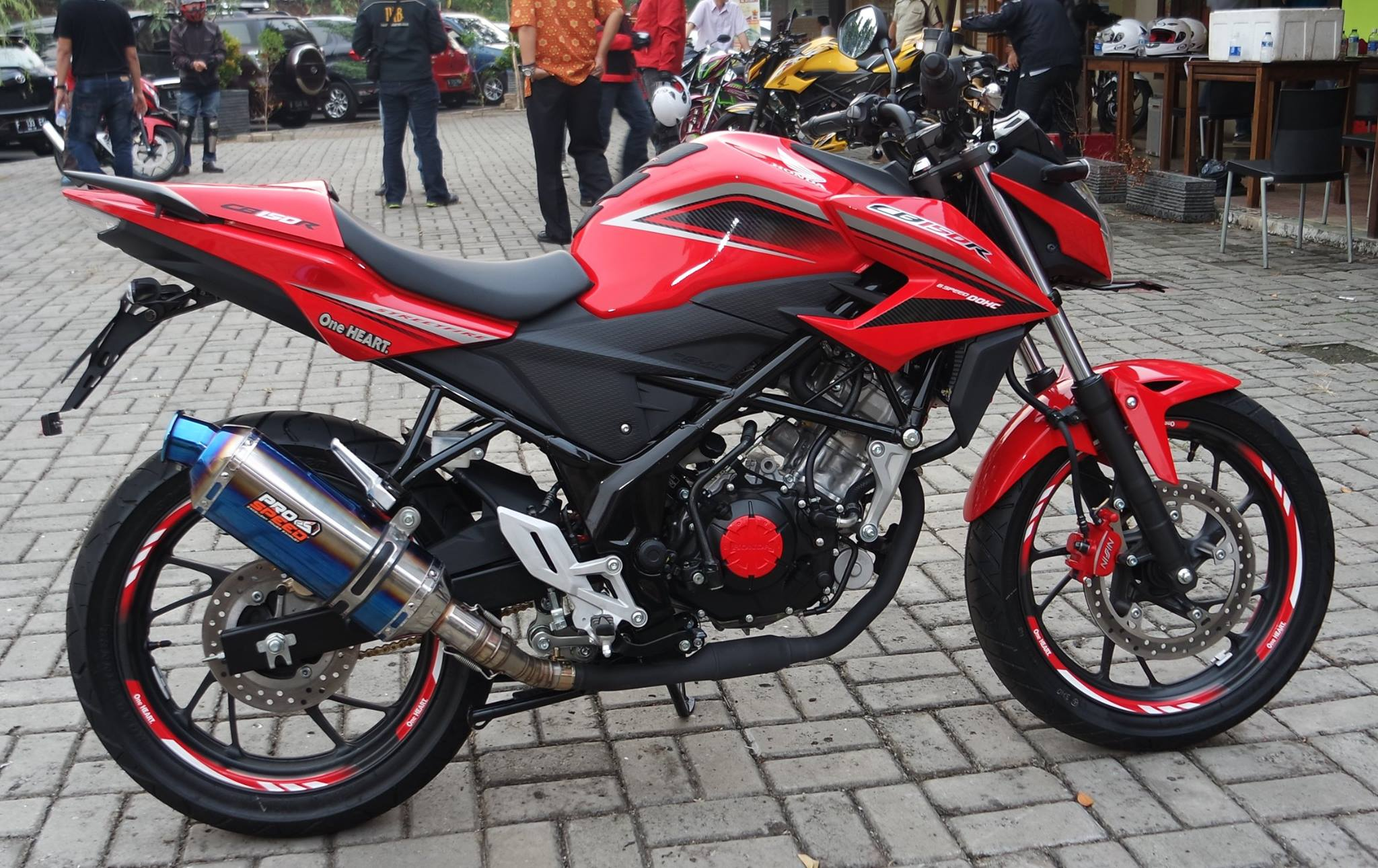 Download Koleksi 85 Foto Modifikasi Motor Honda Cb 150r Terunik
