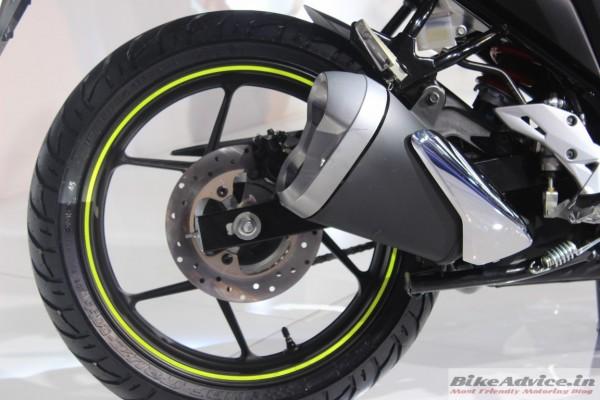 Suzuki-Gixxer-rear-Disc-Brakes-2-600x400